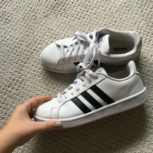 lightly used Adidas air